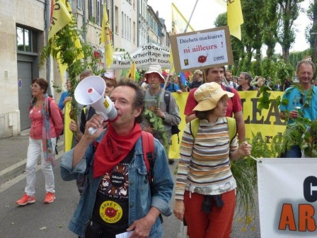 Solidarites_avec_les_interpelle-e-s_de_Bure.jpg
