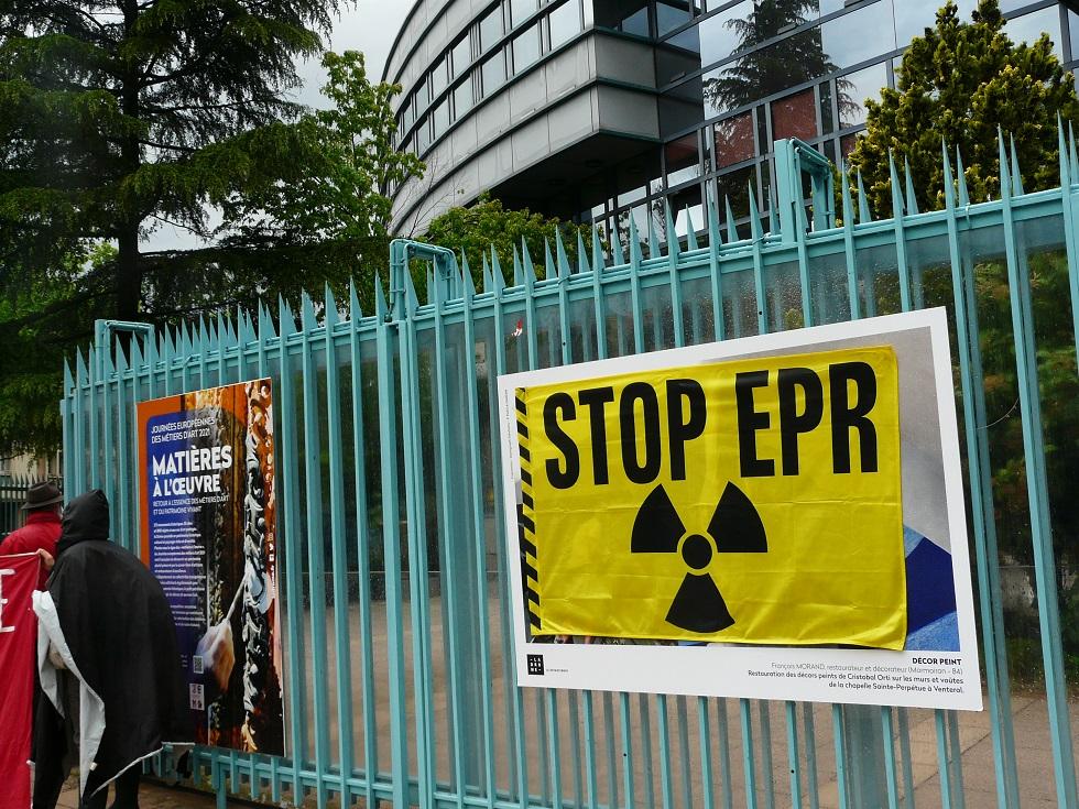 Occupation du Conseil Départemental : non au nucléaire ni en Drôme ni ailleurs !