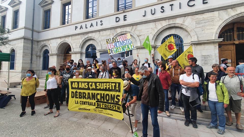Soutien aux activistes de Greenpeace !